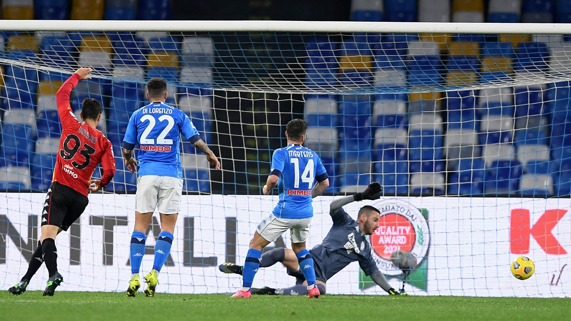 Napoli-Benevento 2-0: Mertens e Politano, partenopei a -3 dalla Champions