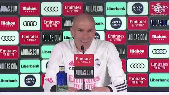 """Zidane: """"Non penso al futuro"""""""
