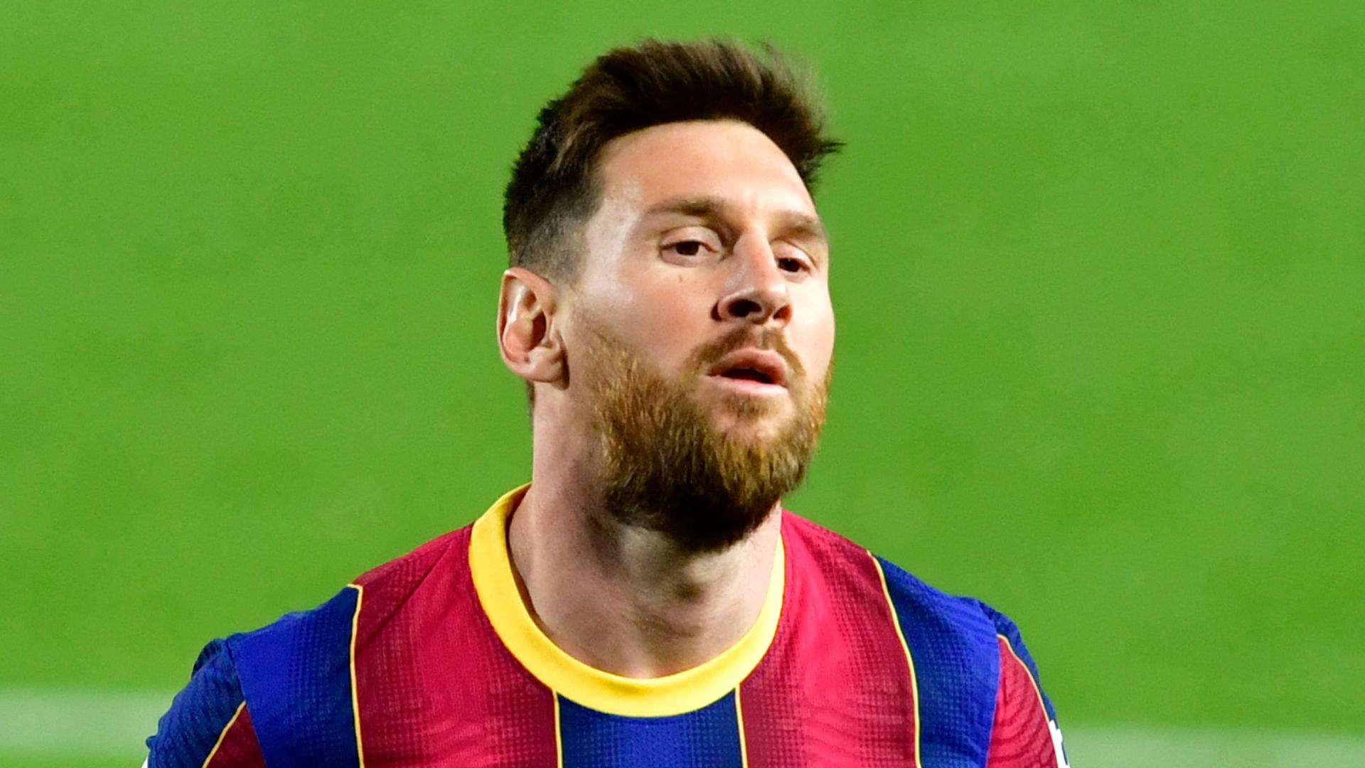 Real Madrid-Barcellona, cambia l'arbitro: polemiche su Manzano